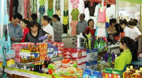 Tổ chức bán hàng Tết ngoại thành: Tạo thuận lợi cho người dân