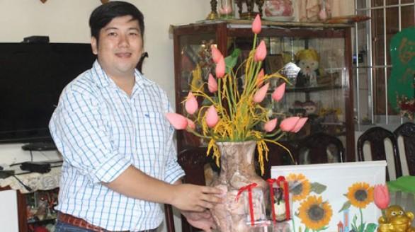 Du học sinh Pháp về Việt Nam làm hoa sen ướp tươi