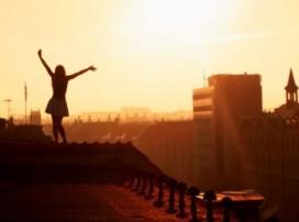 Vì chúng ta còn đang trẻ, hãy sống thật chân thành!