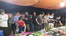 Phiên chợ đưa hàng Việt về vùng sâu, vùng xa xã An Lạc (Lạc Thủy)