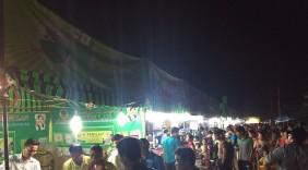 Các doanh nghiệp loay hoay ở thành phố, sao không về nông thôn xem người dân chen chúc mua hàng Việt