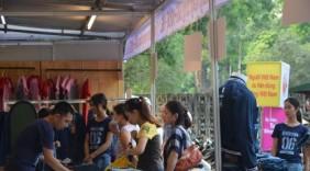 """Giới trẻ ngày càng """"mặn mà"""" với hàng Việt"""