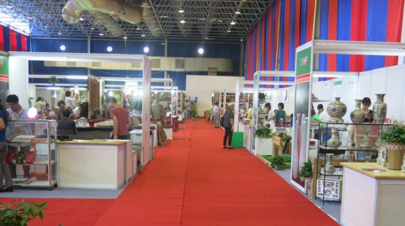 Hội chợ Hàng việt TP Hà Nội thu hút 200 doanh nghiệp tham gia