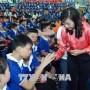 Doanh nghiệp Tp Hồ Chí Minh cùng lo Tết cho người nghèo