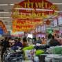 Sôi động thị trường hàng tiêu dùng dịp Tết Nguyên đán