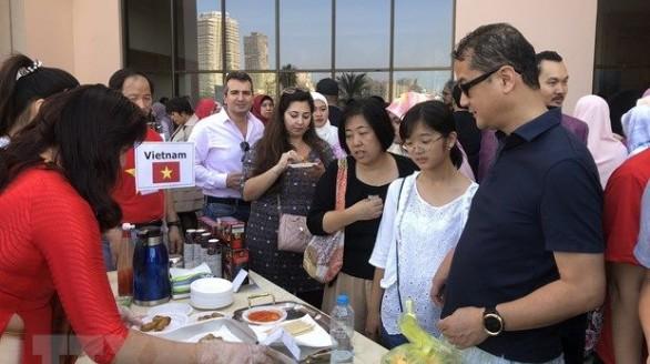 Gian hàng Việt Nam nổi bật tại Hội chợ Từ thiện Bazaar 2019 tại Ai Cập