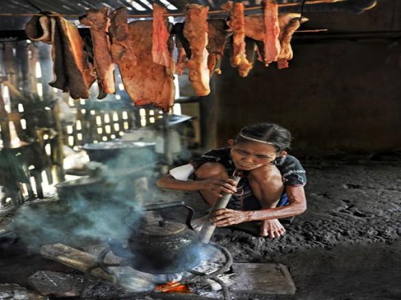 Thịt lợn hun khói - Đặc sản của núi rừng Tây Bắc