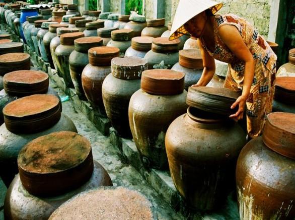 Ủ nước mắm Bảo Ninh - Đặc sản Quảng Bình