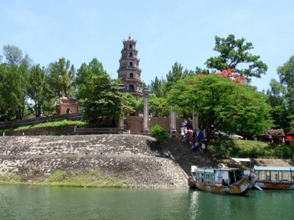 Vẻ đẹp chùa Thiên Mụ