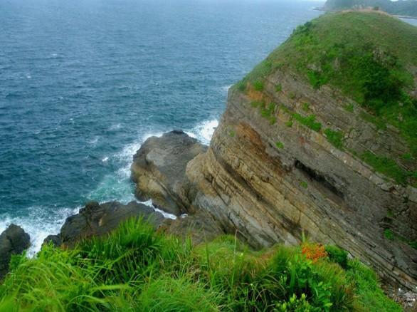 Bãi đá Cầu Mỵ - Đảo Cô Tô