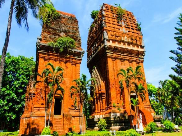 Tháp Bánh Ít - Bình Định
