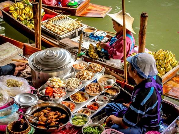 Bình dị chợ nổi Cà Mau