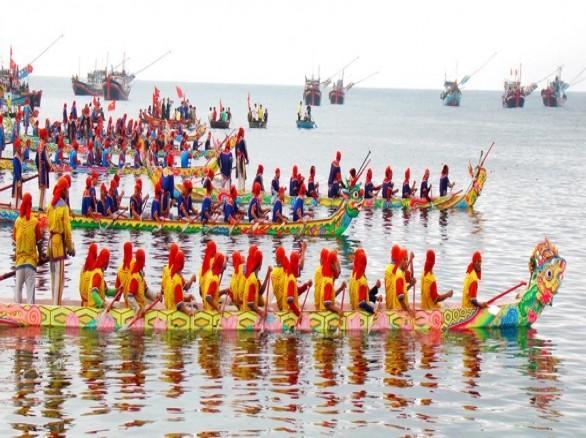 Lễ hội đua thuyền ở Đà Nẵng