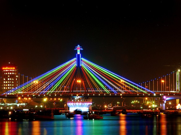 Cầu Sông Hàn - niềm tự hào của người dân Đà Nẵng