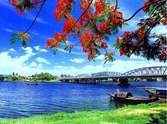 Sông Hương vẻ đẹp ngàn đời của xứ Huế