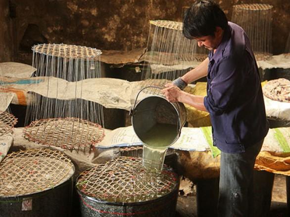 Chế biến đường phèn - đặc sản xứ Quảng
