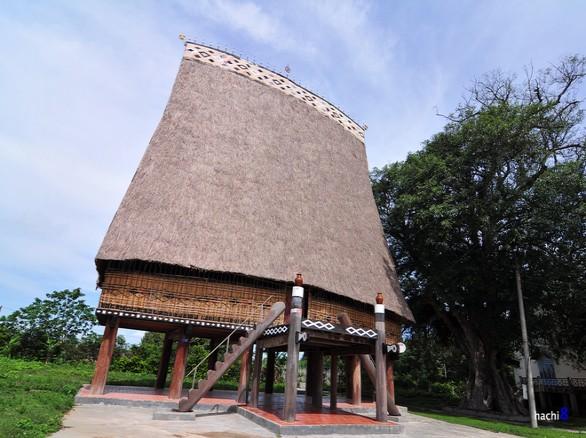 Nhà rông Kon Tum - Biểu tượng đẹp về sự trường tồn của cộng đồng buôn làng