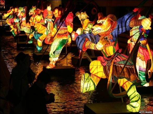 Lễ hội đèn lồng khổng lồ ở Hà Nội
