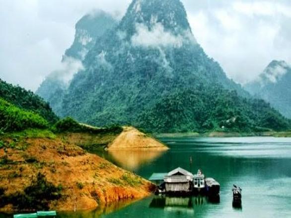 Du lịch Hà Giang - Khám phá lòng hồ Sông Gâm