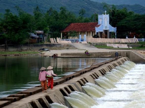Bình dị đập Tam Giang