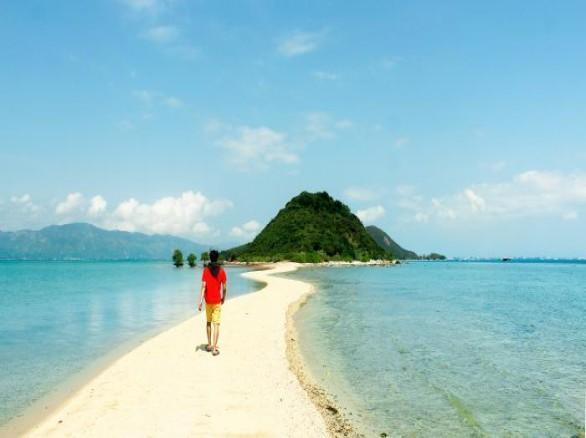 Đến Điệp Sơn để đi bộ trên mặt biển