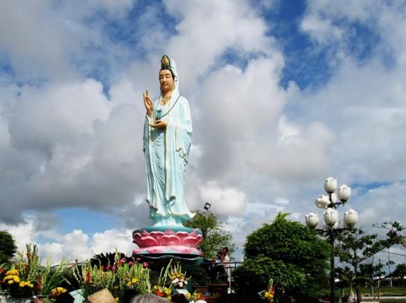 Đến Bạc Liêu nhớ ghé khu Quan âm Phật đài