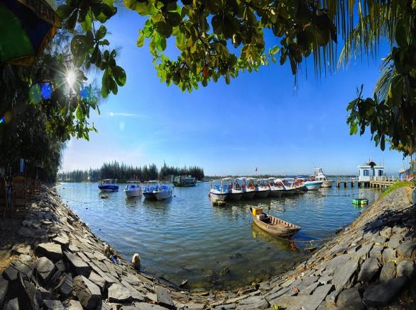 Cù Lao Chàm, nơi biển xanh vẫy gọi