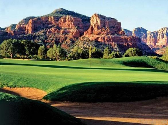 Ấn tượng Sân gôn Phoenix GolfResort ở Hòa Bình