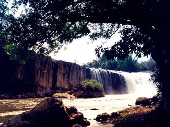 Thác Krông Kmar hoang sơ, thơ mộng