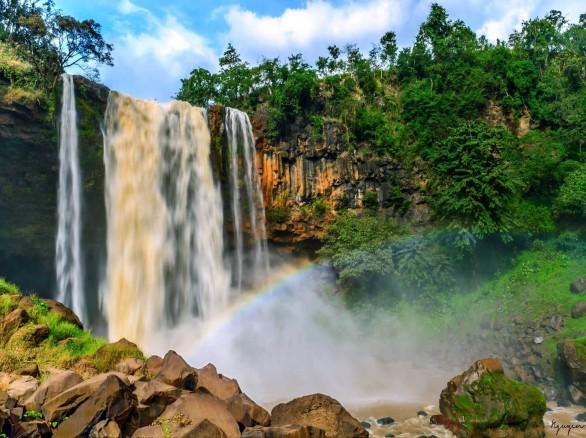 Quyến rũ thác Phú Cường
