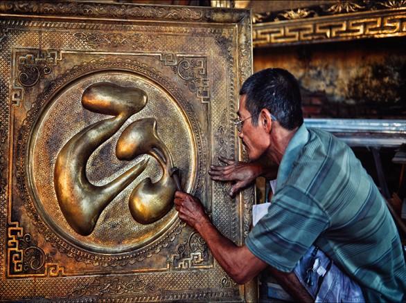 Về thăm làng nghề chạm bạc Đồng Xâm
