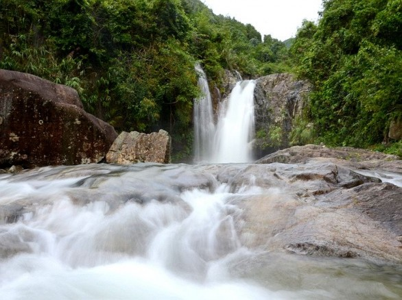Bình dị thác Sông Moóc
