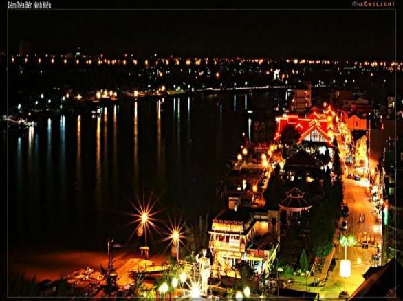 Đêm tại Bến Ninh Kiều