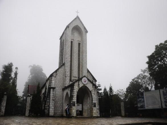 Nhà thờ đá Sapa - Lào Cai