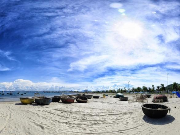 Một góc bãi biển Mỹ Khê