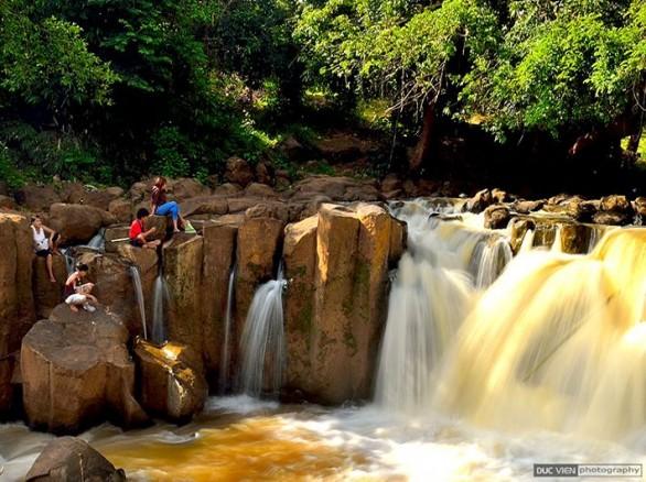 Thác số 4 đẹp lung linh ở Bình Phước