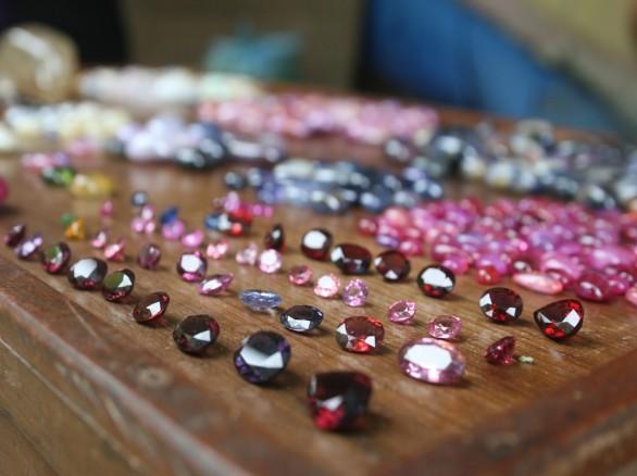Khám phá chợ đá quý Lục Yên