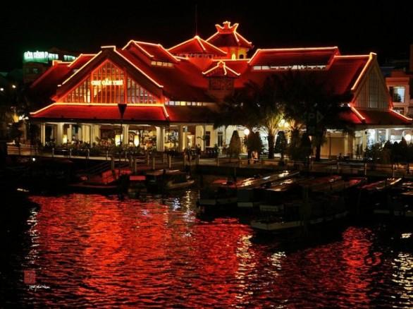 Lung linh chợ Hàng Dương về đêm