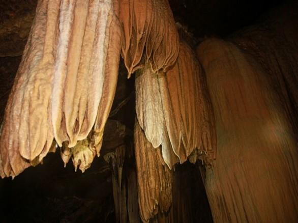Hang động Brai - Hoang sơ bí ẩn