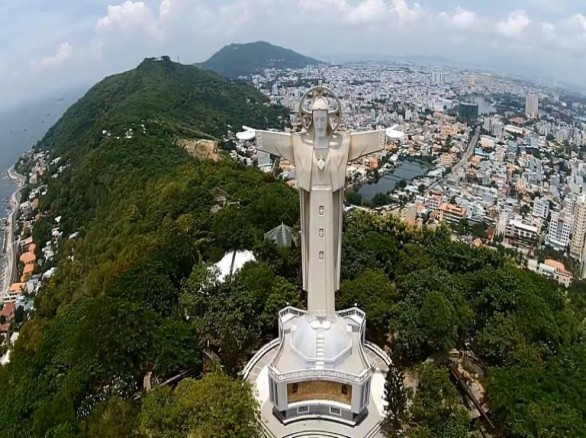 Tượng Chúa Kito Vua - Biểu tượng thành phố biển Vũng Tàu