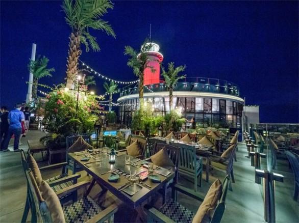 Ghé bar bãi biển lãng mạn đẹp như Tây ngay Việt Nam (1)