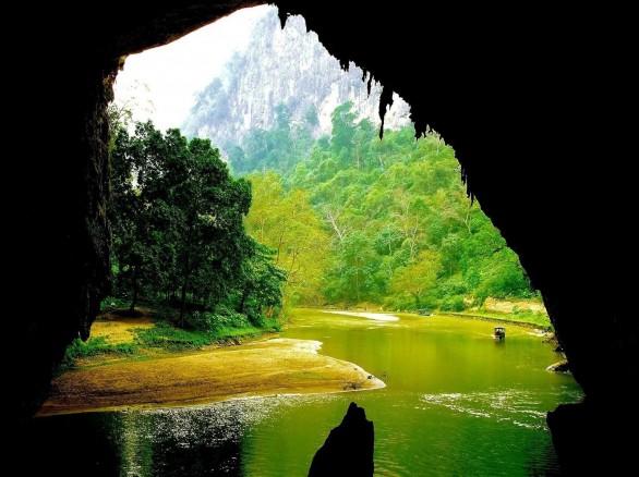 Tuyệt tác thiên nhiên động Puông ở Bắc Kạn