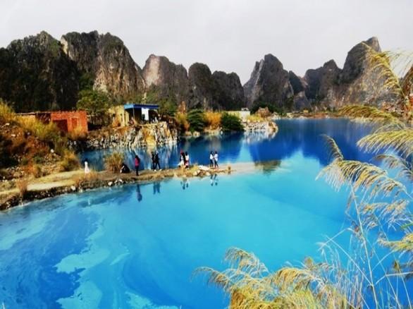 Hồ nước xanh ngắt ở Hải Phòng