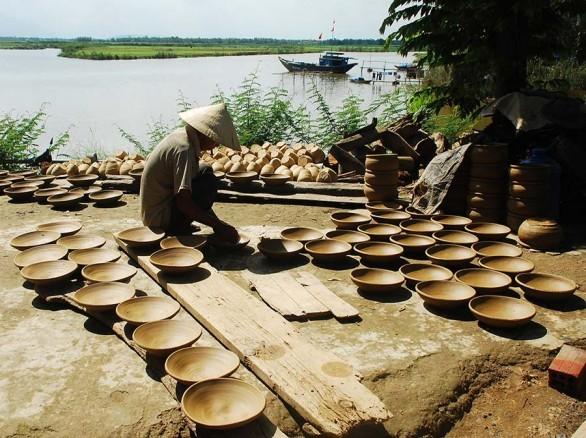 Vẻ đẹp trầm mặc của làng gốm Thanh Hà