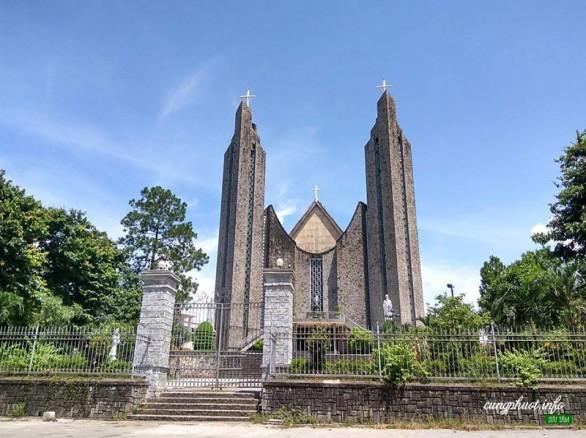 Nhà thờ chính tòa Phủ Cam