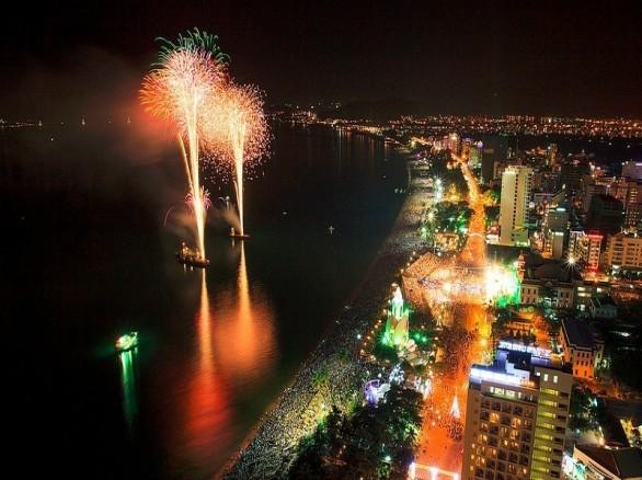 Tháng 8 - Nha Trang: Mùa biển hẹn