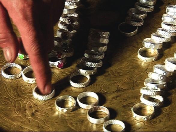Độc đáo nghề làm nhẫn bạc cổ truyền ở Đà Lạt