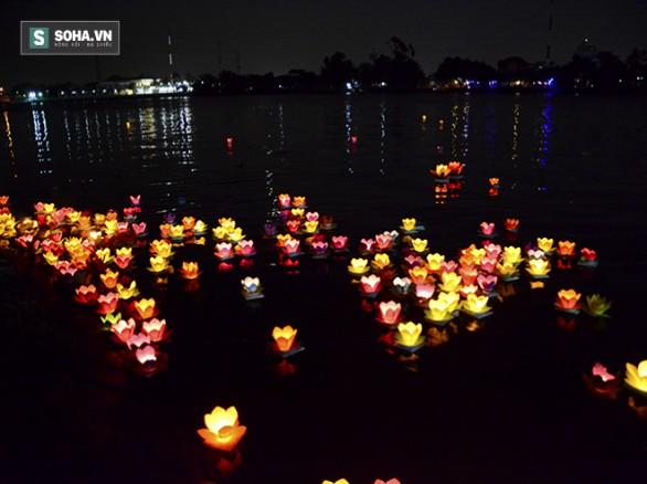 Tháng 2 - Đại lễ hoa đăng Tết Nguyên Tiêu ở Sài Gòn