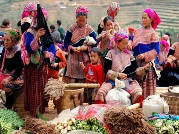 Phiên chợ trên đỉnh Lang Biang Đà Lạt