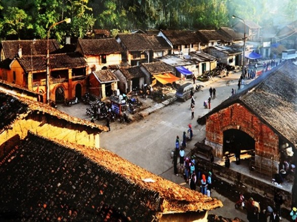 Khám phá khu phố cổ Đồng Văn